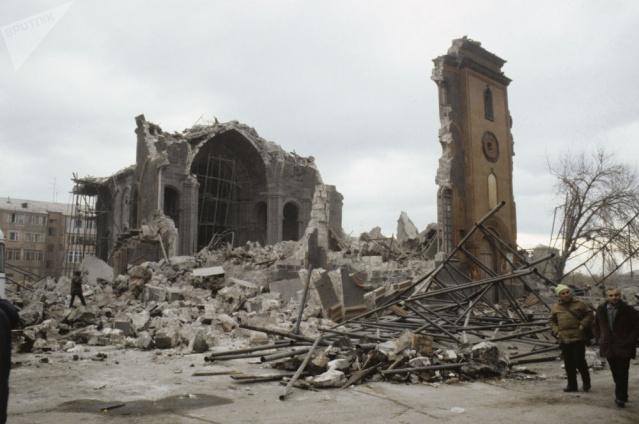 Ermenistan'da 20 binden fazla kişinin ölümüne neden olan Spitak depreminin 30. yıldönümü