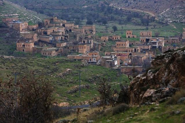 Üç mezhebe ait kiliselerin nadir bulunduğu tarihi bir köy