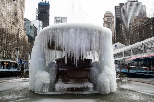 Son 25 yılın en soğuk günlerini yaşayan ABD'den görüntüler