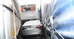36 araç birbirine girdi: 41 yaralı