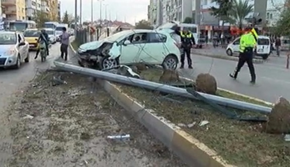 Ehliyetsiz sürücü trafiği savaş alanına çevirdi
