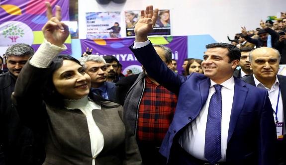 HDP'ye bir uyarı da aydınlardan geldi