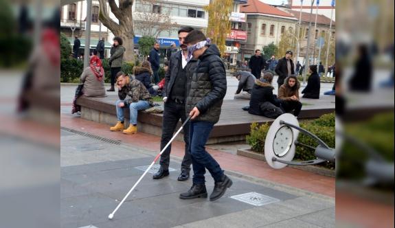 Engellilerle empati yaptılar
