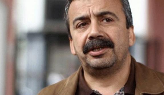 Sırrı Süreyya Önder'den 'Beşiktaş' açıklaması