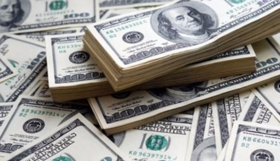 Akit yazarı: Gizli gizli dolar biriktirenler teröre dolaylı destek veriyor!