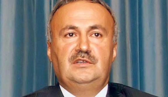AKP kurucusu 'hayır' oyu vereceğini açıkladı
