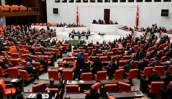 Anayasa değişikliği teklifinin 4 ve 5'inci maddeleri kabul edildi