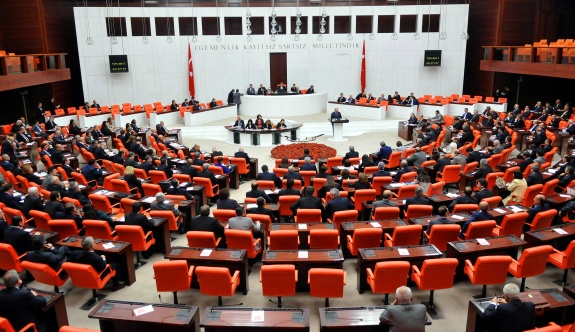 Meclis'te 'sistem ve rejim' tartışmaları mesaisi
