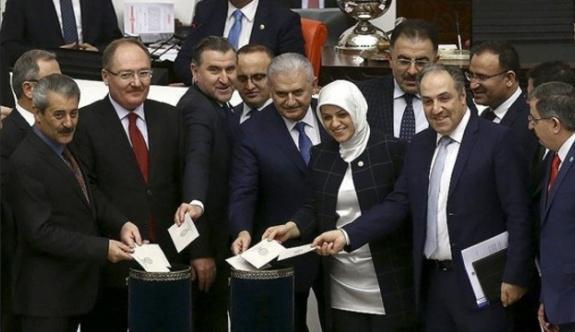 'MHP ve AKP diken üstünde'