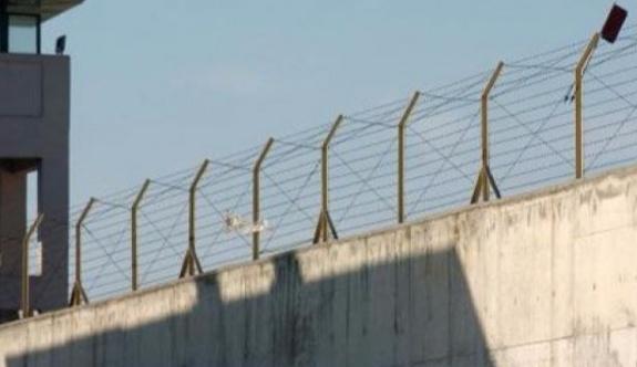 Değişen yeni yönetmeliğe göre, cezaevleri boşaltılıyor