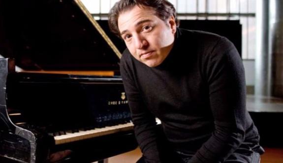 """Fazıl Say; """"Bir piyanistin ellerine kelepçe takmak insanlığa sığmaz''"""