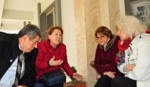 'Hayır' kampanyası yürüten CHP'li kadınlara saldırı!