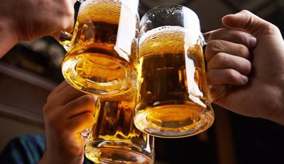 Kanıtlandı: Alkol karnı acıktırıyor