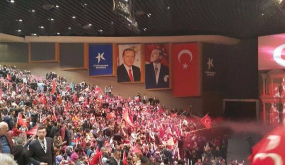 MHP toplantısı'nda Erdoğan posteri!