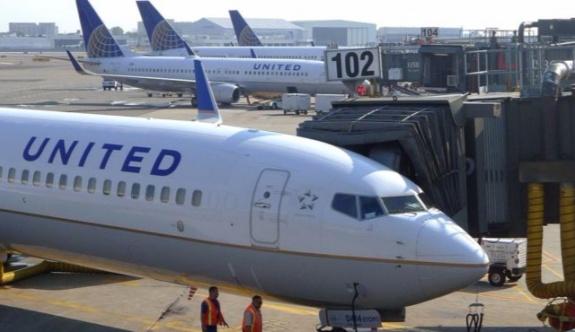 """Pilot """"kocamdan boşanıyorum"""" anonsu yapınca, yolcular uçağı terk etti"""