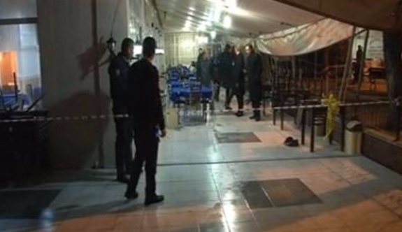 SON DAKİKA: İstanbul Fatih'te kahvehane tarandı, yaralılar var!