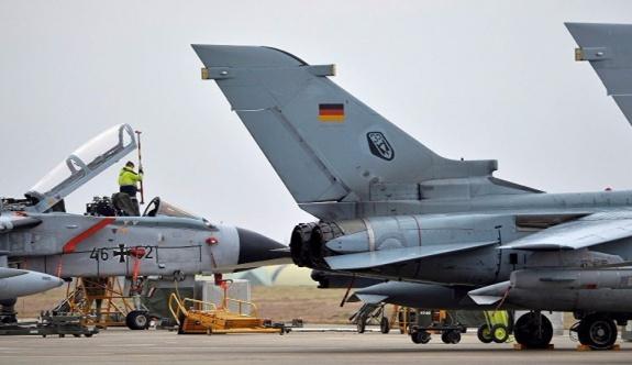 Alman siyasetçi Hahn: İncirlik'ten askerlerimizi çekelim!