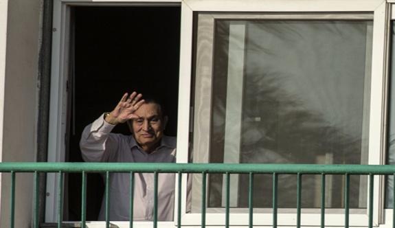 Devrik lider Hüsnü Mübarek evine döndü!