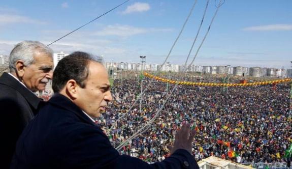 HDP'li vekiller Newroz alanında..