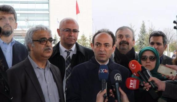 HDP'lilerden AYM önünde açıklama: Engel nedir?