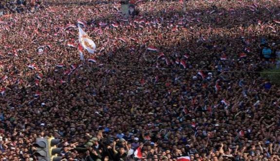 Irak'ta yüzbinler yolsuzluğa karşı sokakta!