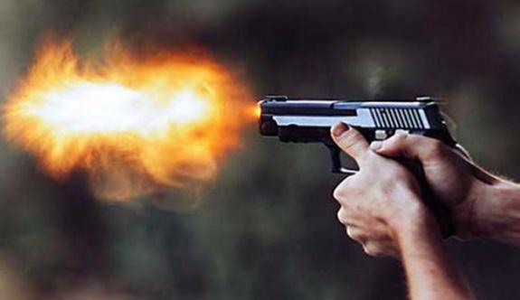 Kafede silahlı çatışma, ölü ve yaralılar var!