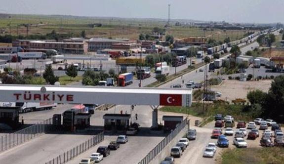 Kriz büyüyor, Türk gazetecilerin ülkeye girişi yasaklandı!