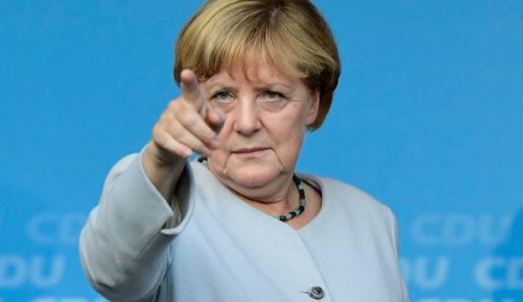 Merkel'den Türkiye'ye çağrı!