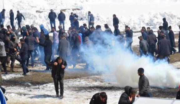 Yüksekova'daki Newroz kutlamalarına polisten gazlı müdahale!