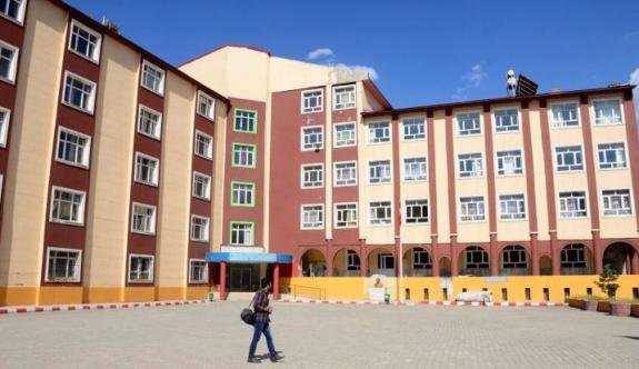 17 Nisan'da okullar tatil