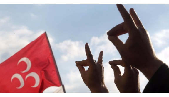 Ülkücüler Alparslan Türkeş'in son konuşmasını paylaşarak 'Hayır' oyu istedi