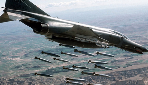 ABD uçaklarından Suriye'ye bir saldırı daha: Irak güçleri vuruldu