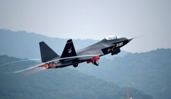 Çin'den ABD gözlem uçağına müdahale