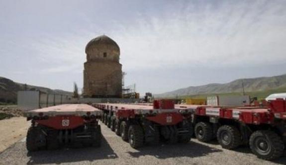 Hasankeyf'de 650 yıllık türbe taşınıyor