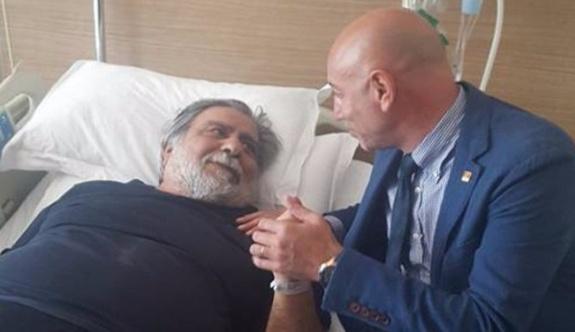 Sanatçı Arif Sağ hastaneye yatırıldı