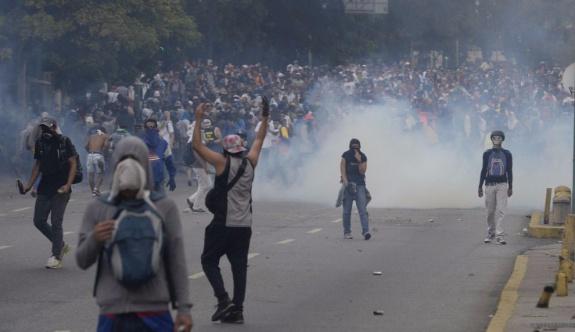 Venezuela'da protestolarda ölenlerin sayısı 60'a yükseldi