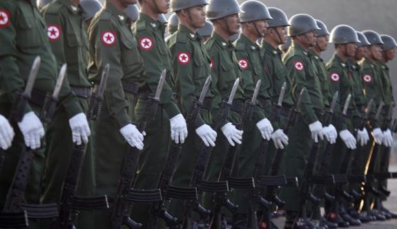 116 kişiyi taşıyan Myanmar askeri uçağı radarda kayboldu!