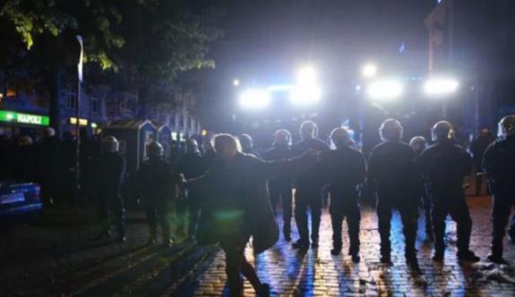 Almanya'da Facebook yorumları nedeniyle 36 kişinin evine baskın yapıldı