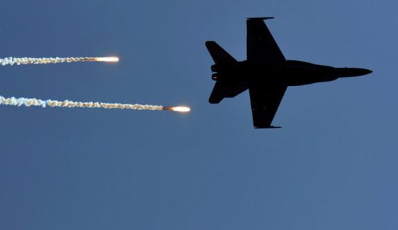 Avustralya Suriye'ye yönelik hava operasyonlarını askıya aldı