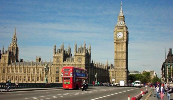 İngiltere'de yeni kabine açıklandı