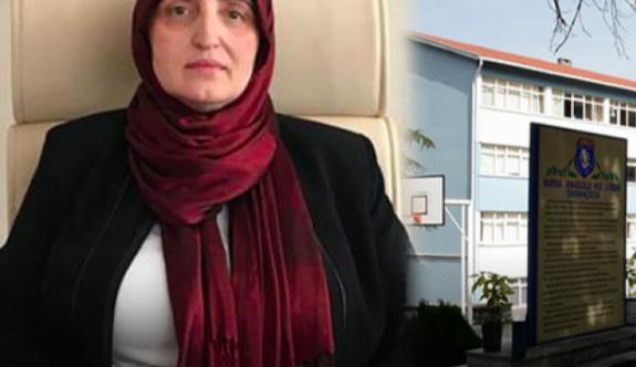 'İzmir Marşı'nı söyleyen öğrenciler yatakhaneye kilitlendi'