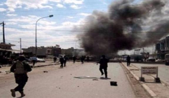Musul'da sıkışan DAİŞ evleri yakıyor