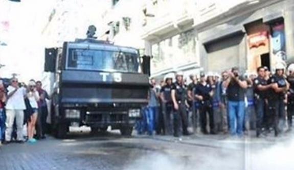 Onur Yürüyüşü öncesi polis Taksim'de tüm sokakları tuttu
