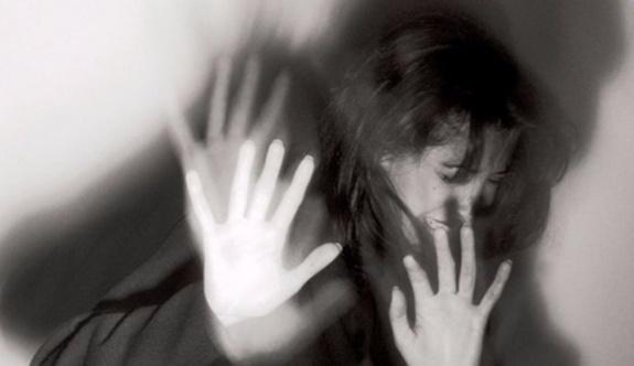 Pendik'te mini etek giyen kadına saldırı