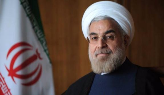 Ruhani ve Macron, Tahran saldırılarını konuştu
