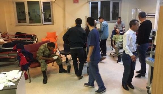 Yemek tedarik eden şirketin çalışanı: Çöpe atılması gerekenleri askerlere veriyoruz