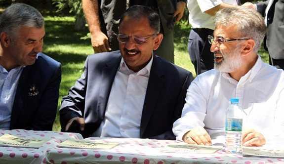 Bakan Özhaseki: İtiraf ediyorum, 10'dan fazla kaçak imam hatip yaptırdım