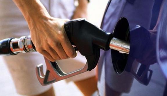 Benzine zam geliyor: Gece yarısından itibaren artacak...