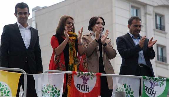 HDP'li 2 vekil için yakalama kararı çıkartıldı