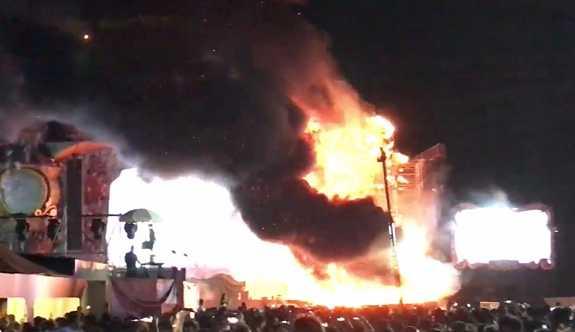 İspanya'daki müzik festivalinde yangın: 22 bin kişi tahliye edildi